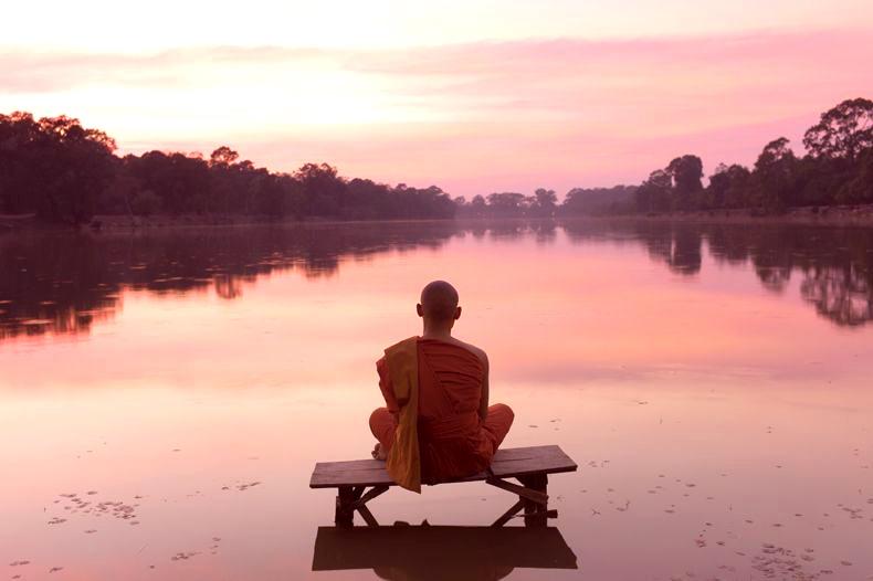 yoga modena meditazione rilassamento armonia